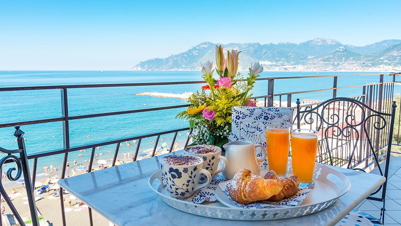 tavolo da colazione - B&B Tramonto sul Mare